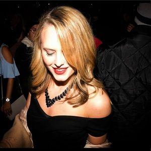 Sweetheart Neckline Classy Little Black Dress ✨